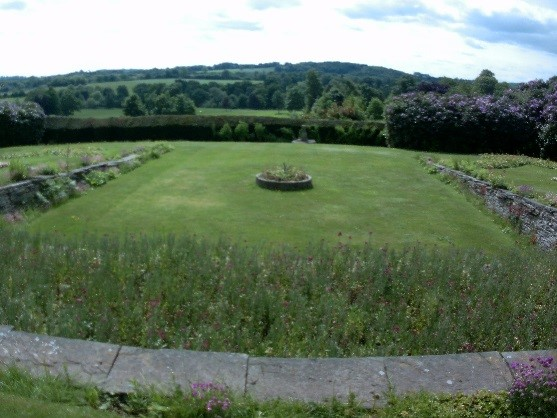 Hall gardens